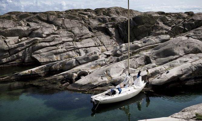 Res med skärgårdsbåt på historiska vatten